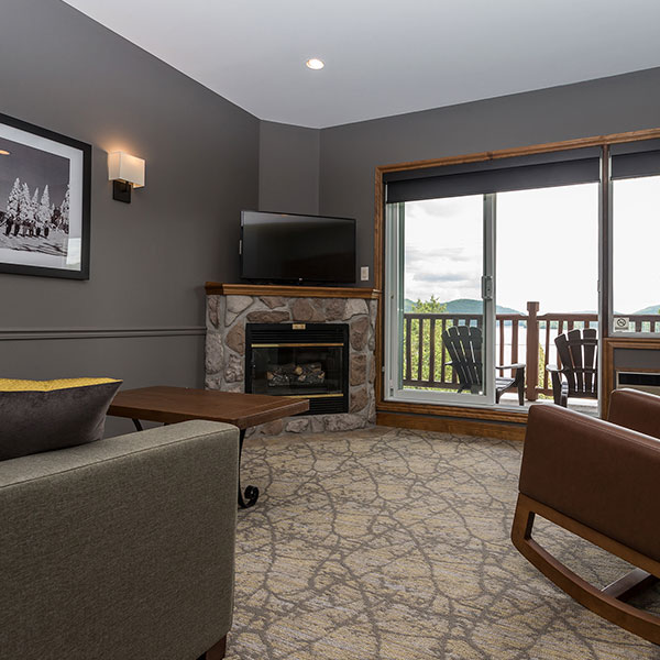 Le Grand Lodge Lac Suite Living Room